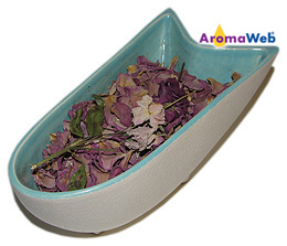 Potpourri Fragranced With Essential Oils
