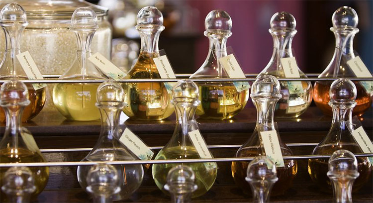 Fragrance Oil Definition and Information